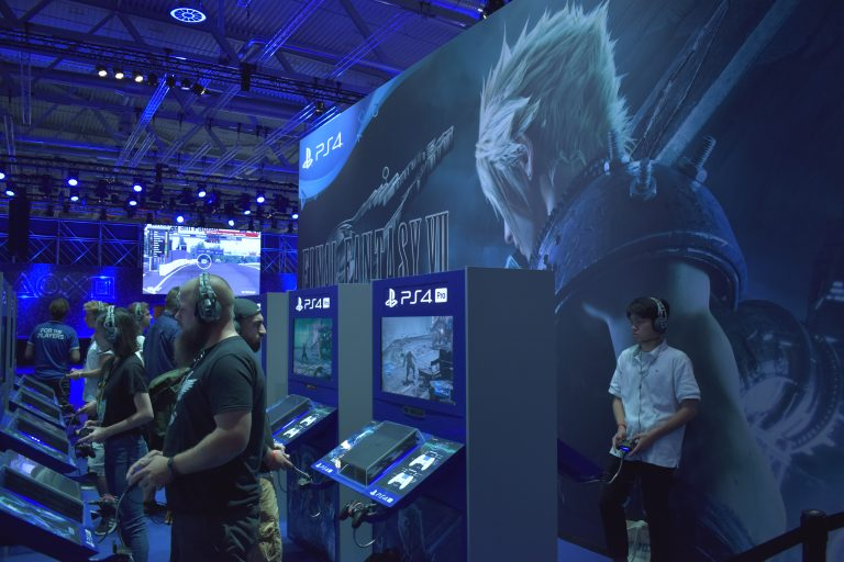 [Gamescom] Final Fantasy VII – Square Enix nécromancien.